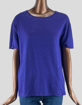 T by Alexander Wang oversized short-sleeve crewneck tee. Relaxed shoulders.  Size: Small
