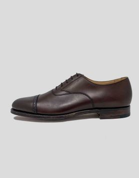 Brooks Brothers Peal & Co. Perforated Captoe shoes, in genuine calfskin leather. Perforated details. Size 9.5 D US