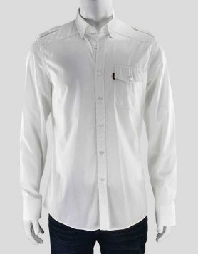 Gucci men's white cotton shirt with epaulets, stitching design at shoulders and Gucci logo on left breast pocket.
