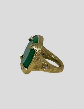 Melinda Maria statement ring in goldwith striking green stone atcenter. Textured detail and accent crystals thoughtfully placed on front and sides.