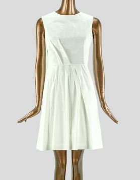 Oscar de la Renta white pleated, A-line dress silhouette, with silk slip Size: 8 US