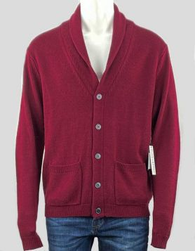 Paisley & Gray men's maroon cardigan with elbow patch detail andfive navy buttons. Slim-fitting knit cardigan, long sleeve with two front pockets. Size: XL