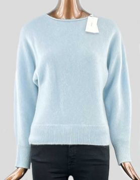 Vince Dolman Boatneck Pullover sweater featuring a relaxed fit, boatneck and Dolman sleeves.  Size XXS